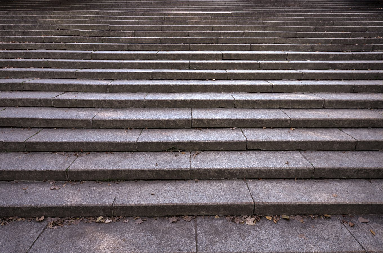 stairs-996638_1920.jpg